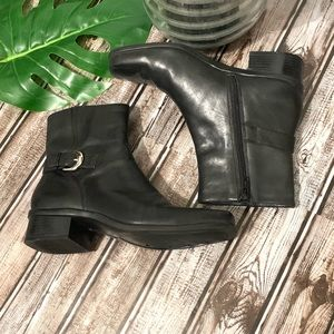 Andrew Geller Emmy Leather Ankle Boots size 6M